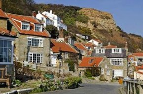 A welcoming campsite above the quiet coastal village of Runswick Bay where a sheltered beach and excellent coastal walks back onto the North York Moors National Park.